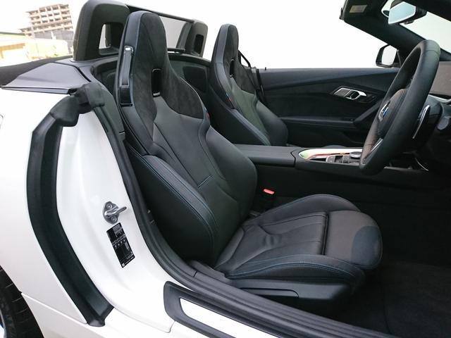 sDrive20i Mスポーツ 認定保証・1オーナー・イノベーションパッケージ・ブラックレザー・アダプティブLEDヘッドライト・ハイビーム・アシスタント・ヘッドアップディスプレイ・純正18インチAW・パドルシフト・純正HDDナビ(12枚目)