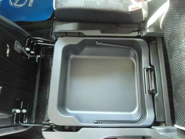 XG 当社新車販売下取りワンオーナー ブレーキサポート アイドリングストップ メモリーナビ ワンセグ シートヒーター HID オートライト(17枚目)
