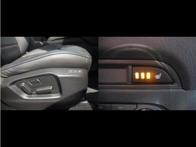 運転席・助手席ともに電動調節式シートとシートヒーターを内蔵。