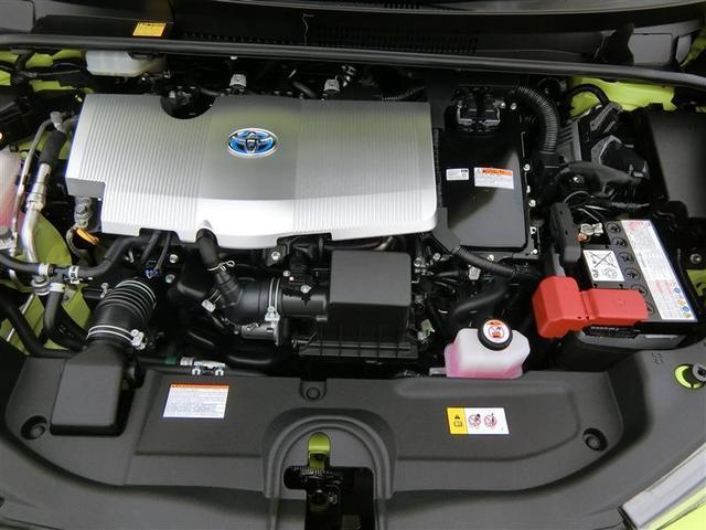 スチームがけでエンジンルームの汚れも綺麗にクリーニング!エンジンルームが綺麗だと、不具合等の発見もし易く、コンディションのチェックや維持の面でとってもプラスです。ここで気になることは修理しております。