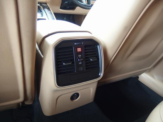 「ポルシェ」「マカン」「SUV・クロカン」「大阪府」の中古車26