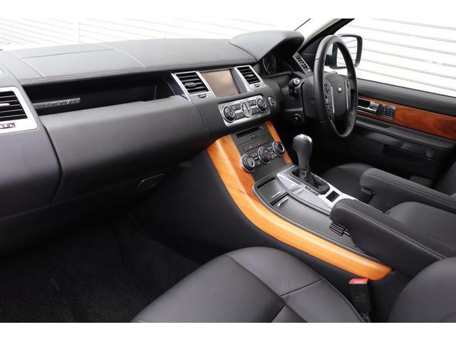 5.0 V8 ブラックレザー 純正ナビ 禁煙ワンオーナー車(4枚目)