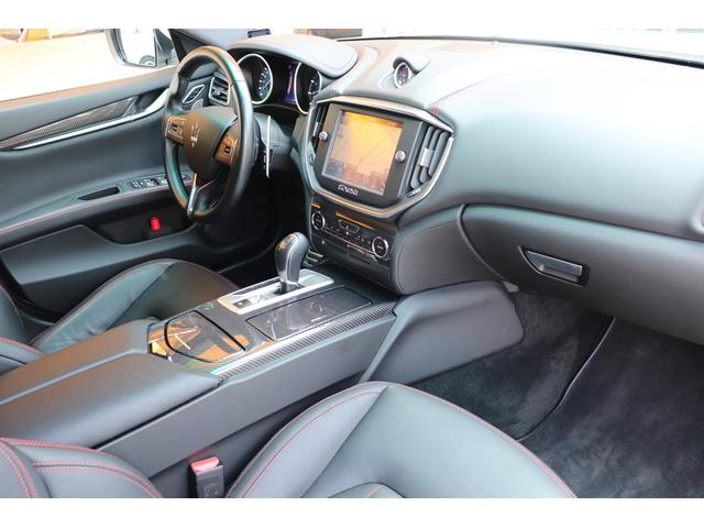 S Q4 4WD ブラックレザー ガラスSR 禁煙1オーナー(4枚目)