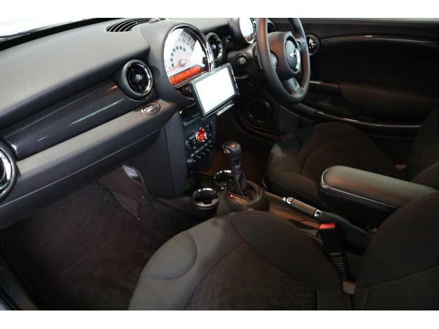 クーパーS クーペ ワンオーナー 禁煙車 キセノン オプション16インチアルミ カロッツェリアナビ・地デジTV 可動式リアウイング ドライブレコーダー(4枚目)