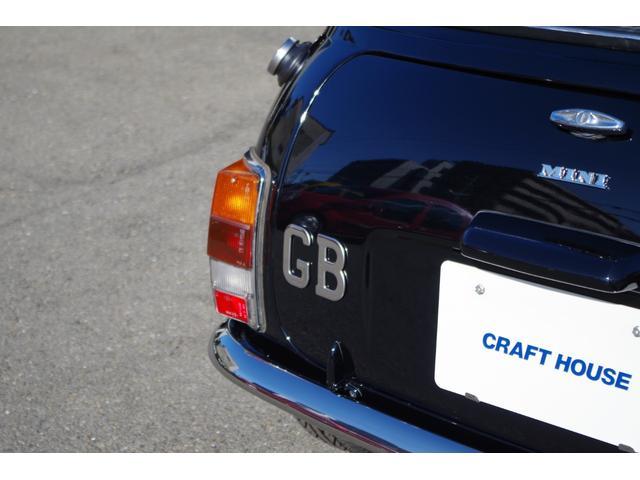 この「GB グレートブリテン」バッジも専用装備です。