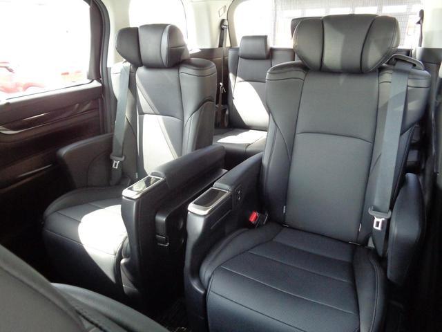 2.5Z Gエディション トヨタ認定中古車 被害軽減ブレーキ Bカメ エアロ 地デジTV LEDライト アルミホイール ETC ナビTV 横滑り防止装置 メモリーナビ スマートキー パワーシート キーレス 3列シート ABS(11枚目)