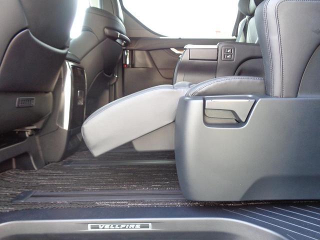 2.5Z Gエディション トヨタ認定中古車 被害軽減ブレーキ Bカメ エアロ 地デジTV LEDライト アルミホイール ETC ナビTV 横滑り防止装置 メモリーナビ スマートキー パワーシート キーレス 3列シート ABS(12枚目)