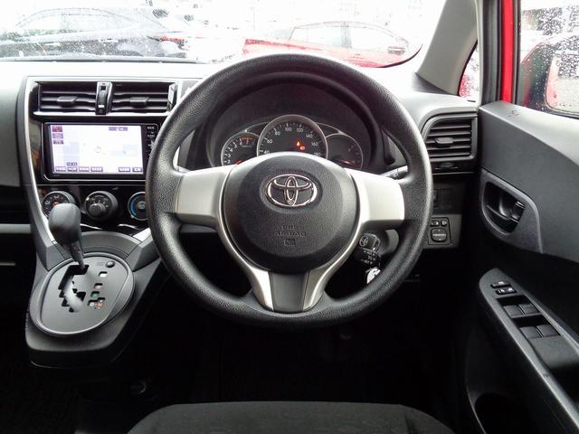 X トヨタ認定中古車(4枚目)