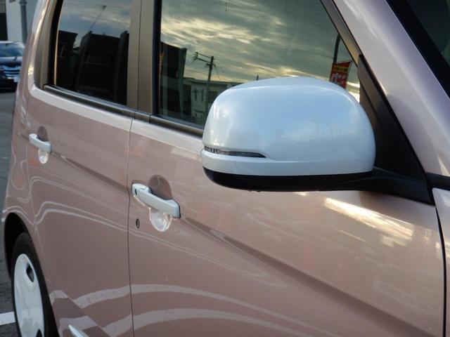 スタンダード・Lホワイトクラッシースタイル 当社デモカー 衝突被害軽減装置 サイド&カーテンエアバック 純正ナビ・・CD/DVD/BTA/USB/MR・・バックカメラ ETC HIDライト シートヒーター ライトベージュ千鳥内装生地(44枚目)