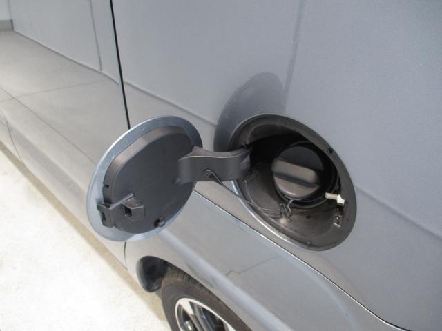 ガソリンの給油口は助手席側です☆