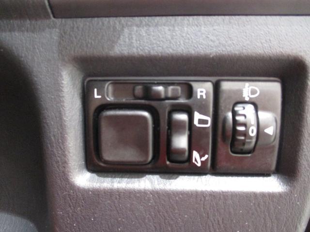 クロスアドベンチャー 4WD インタークーラーターボ パートタイム4WD 運転席シートヒーター ヒーテッドドアミラー 軽SUV 走行距離50,700km台 電動格納式ドアミラー キーレスエントリー ルームクリーニング実施済み(14枚目)