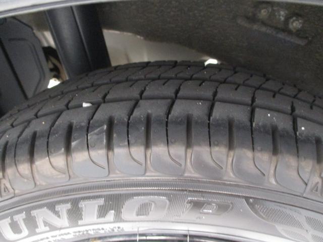 L アイドリングストップ キーレスエントリー タイミングチェーン 横滑り防止装置 ワンオーナー CDチューナー セキュリティアラーム 走行距離29,600km台 車検整備付き インパネシフト(40枚目)
