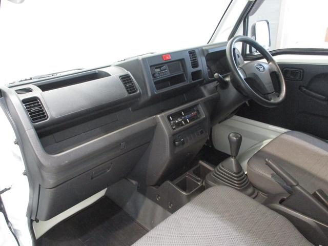スタンダード 4WD 5速ミッション車 タイミングチェーン パートタイム4WD 5速ミッション車 車検整備付き 走行距離52,900km台 エアコン パワステ バッテリーカバー ゲートプロテクター(2枚目)