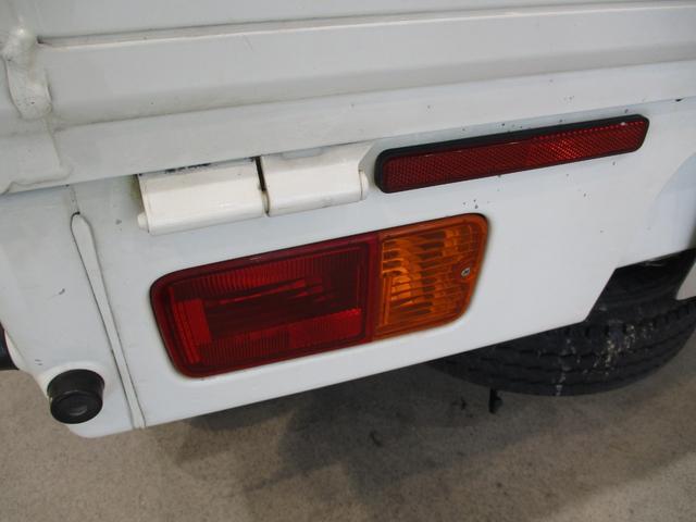 スタンダード 4WD 5速ミッション車 タイミングチェーン パートタイム4WD 5速ミッション車 車検整備付き 走行距離52,900km台 エアコン パワステ バッテリーカバー ゲートプロテクター(27枚目)