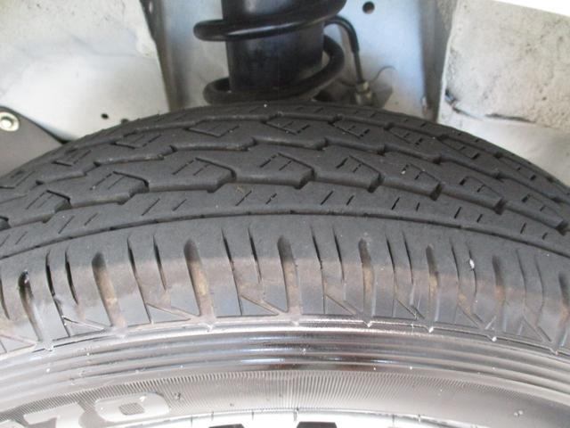 スタンダード 4WD 5速ミッション車 タイミングチェーン パートタイム4WD 5速ミッション車 車検整備付き 走行距離52,900km台 エアコン パワステ バッテリーカバー ゲートプロテクター(38枚目)