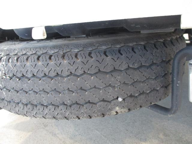 スタンダード 4WD 5速ミッション車 タイミングチェーン パートタイム4WD 5速ミッション車 車検整備付き 走行距離52,900km台 エアコン パワステ バッテリーカバー ゲートプロテクター(64枚目)