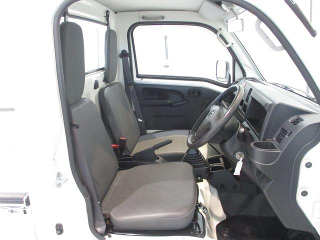 スタンダード 4WD 5速ミッション タイミングチェーン パートタイム4WD 車検整備付き 5速ミッション車 バッテリーカバー エアコン パワステ エアバッグ テールゲートチェーン ゲートプロテクター 走行距離26,300km台(6枚目)