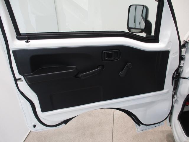 スタンダード 4WD 5速ミッション タイミングチェーン パートタイム4WD 車検整備付き 5速ミッション車 バッテリーカバー エアコン パワステ エアバッグ テールゲートチェーン ゲートプロテクター 走行距離26,300km台(25枚目)
