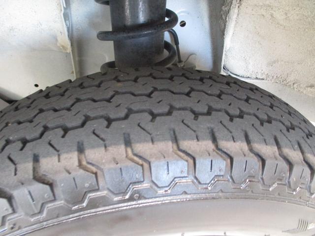 スタンダード 4WD 5速ミッション タイミングチェーン パートタイム4WD 車検整備付き 5速ミッション車 バッテリーカバー エアコン パワステ エアバッグ テールゲートチェーン ゲートプロテクター 走行距離26,300km台(39枚目)