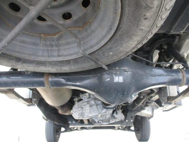 スタンダード 4WD 5速ミッション タイミングチェーン パートタイム4WD 車検整備付き 5速ミッション車 バッテリーカバー エアコン パワステ エアバッグ テールゲートチェーン ゲートプロテクター 走行距離26,300km台(59枚目)
