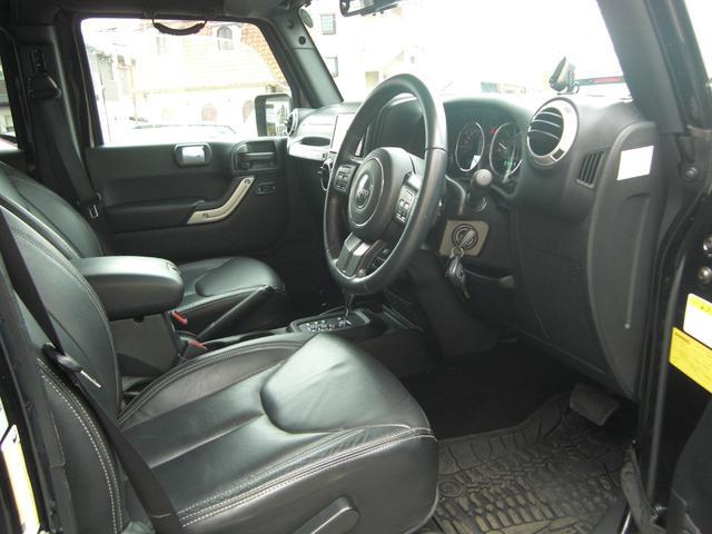 サハラ 黒革シート サイドビューモニター ワンオーナー車(3枚目)