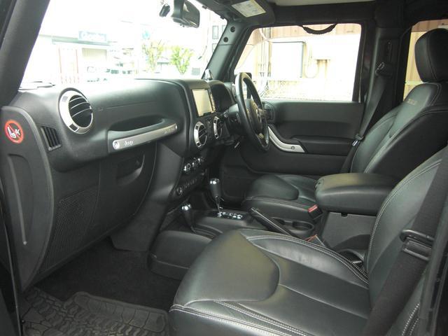 サハラ 黒革シート サイドビューモニター ワンオーナー車(4枚目)