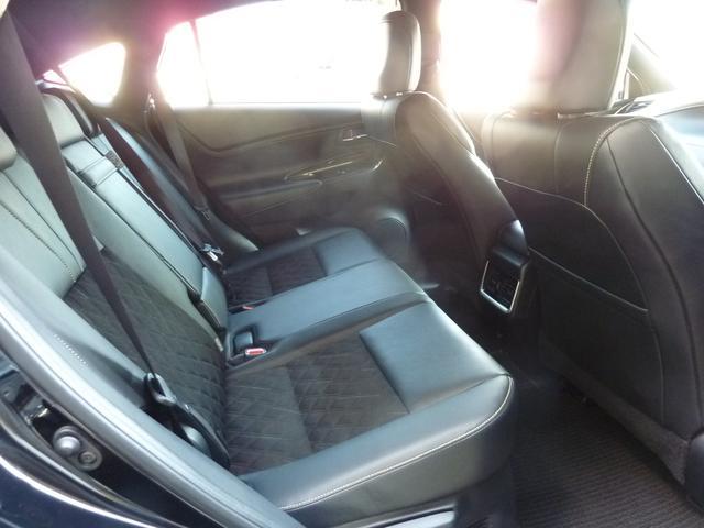 トヨタ ハリアーハイブリッド エレガンス LEDヘッドライト LEDフォグ 9型SDナビ