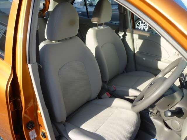 乗降性がいい運転席は座りやすい高さに設定しています。