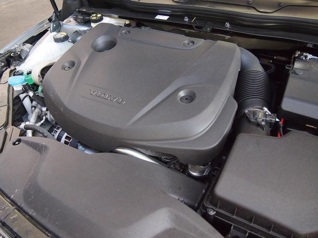 ボルボ ボルボ V40 D4 ダイナミックED 登録済未使用車 平成34年12月保証