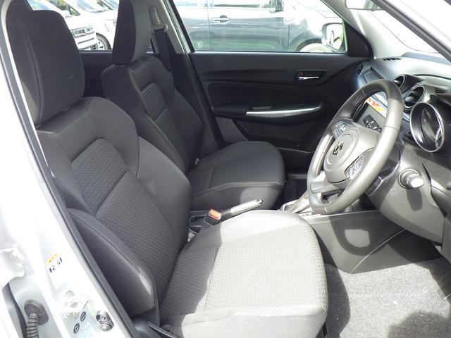 ホールド性のあるフロントシートで長距離運転も安心