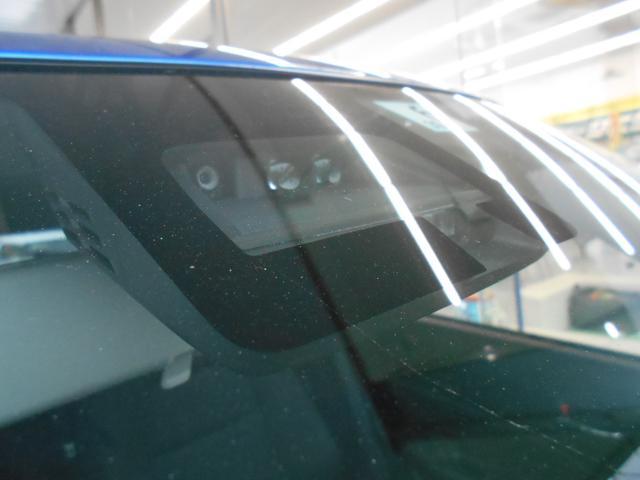 衝突の被害軽減または回避をしてくれる、「デュアルセンサーブレーキサポート」を装