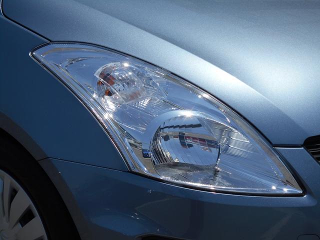 ヘッドライトの高さ調節が可能な マニュアルレべリング機構付ヘッドライト。