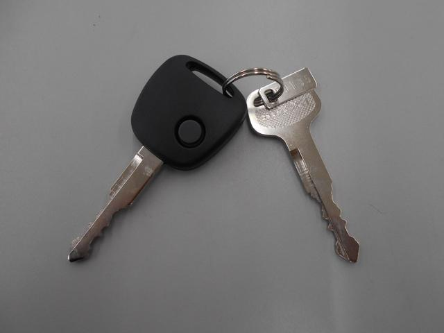 鍵が2つついており、ボタンで施錠・解錠することができます。