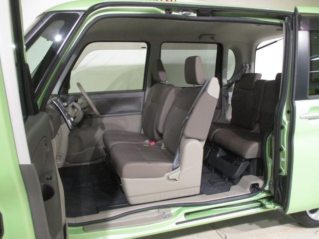 フロントシートはベンチシートになっていますので運転席も助手席も広々ゆったりです☆運転席も助手席も綺麗な状態ですよ(*^_^*)