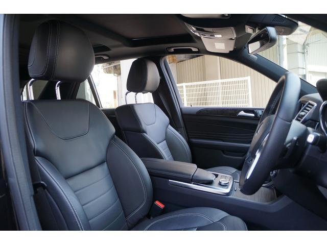 適度なクッションとサイドサポートで、長距離でも疲れにくいシート!!