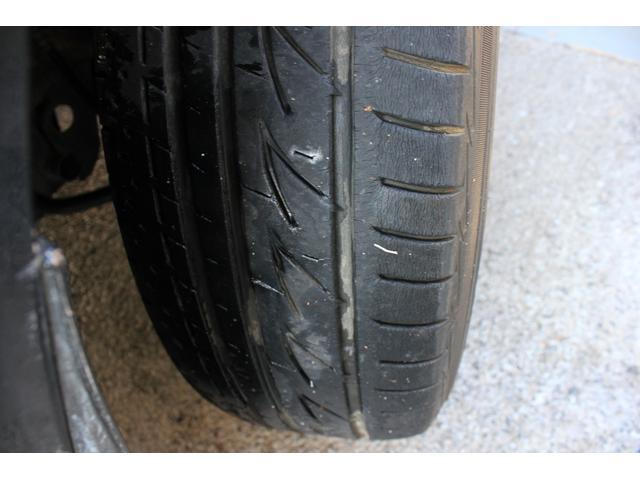 タイヤは山少な目ですので早めの交換をおすすめします!