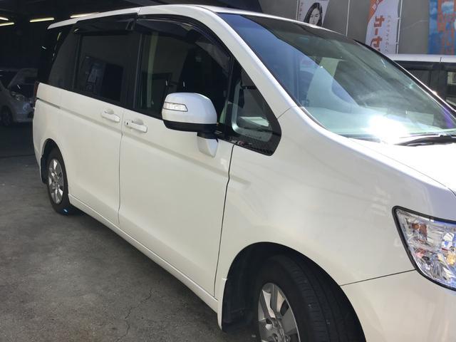 当店はグー鑑定取扱店です。第三者機関の日本自動車鑑定協会(JAAA)が中古車を鑑定し、プロの厳しいチェックのもと、グレーディングレポート(鑑定証)を1台1台に発行いたしております。