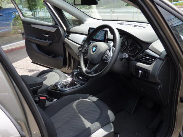 BMW BMW 218iアクティブツアラー ワンオーナー禁煙 新車保証
