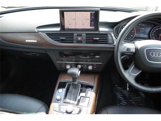 インパネは運転席側に突き出しているので、操作しやすいデザインになっています!