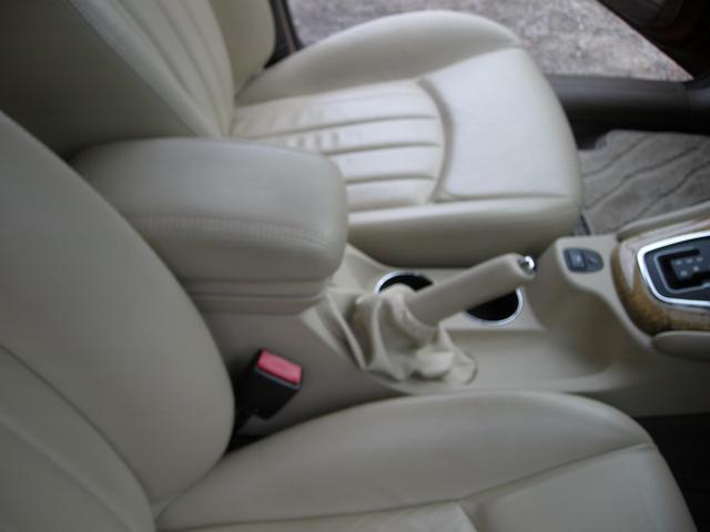 ジャガー ジャガー Xタイプ 2.0 V6SEエステート ベージュ革シート 取説スペアキー