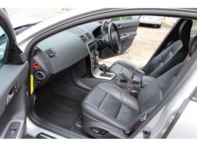 ボルボ ボルボ V50 T-5 禁煙車 黒側シート 天張張替 タイベル交換済み