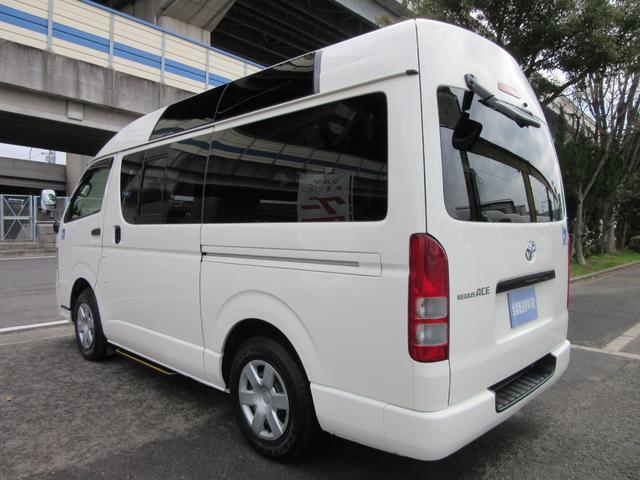 福祉車両ウェルキャブBタイプ車イス2台固定10人乗 事業用可(5枚目)