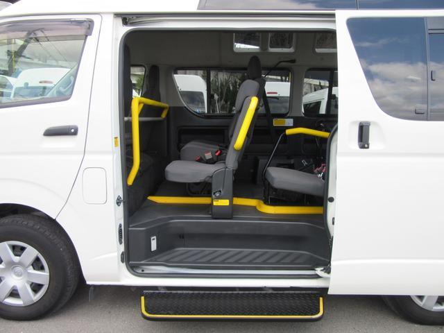福祉車両ウェルキャブBタイプ車イス2台固定10人乗 事業用可(16枚目)