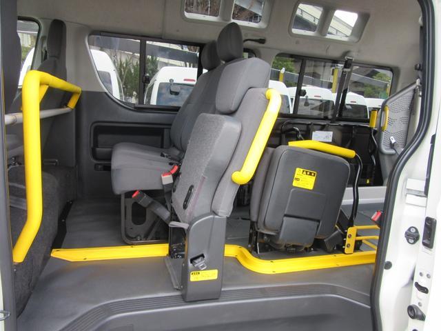 福祉車両ウェルキャブBタイプ車イス2台固定10人乗 事業用可(18枚目)