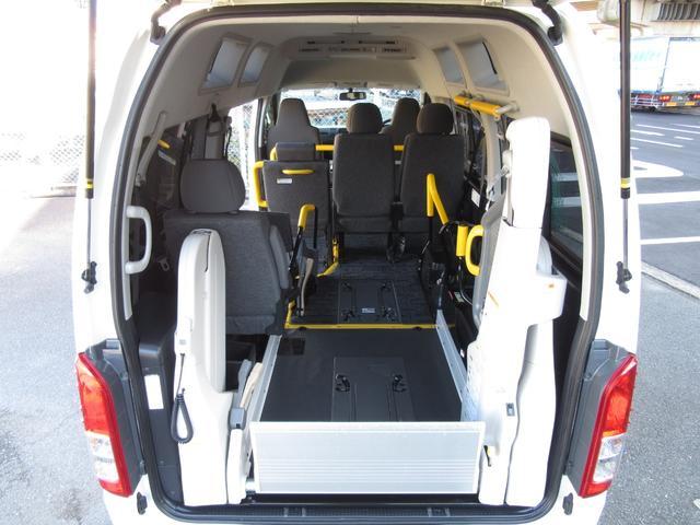6AT 福祉車両ウェルキャブBタイプ 車イス2台固定 10人乗 検R5年3月迄 サンルーフ 電動Sステップ 電動リフト バックカメラ キーレス 新車保証書付(28枚目)