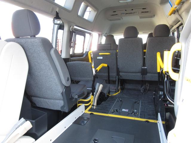 6AT 福祉車両ウェルキャブBタイプ 車イス2台固定 10人乗 検R5年3月迄 サンルーフ 電動Sステップ 電動リフト バックカメラ キーレス 新車保証書付(32枚目)