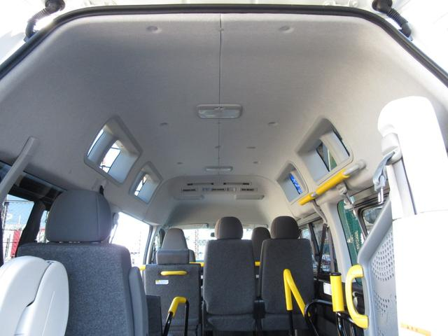 6AT 福祉車両ウェルキャブBタイプ 車イス2台固定 10人乗 検R5年3月迄 サンルーフ 電動Sステップ 電動リフト バックカメラ キーレス 新車保証書付(34枚目)
