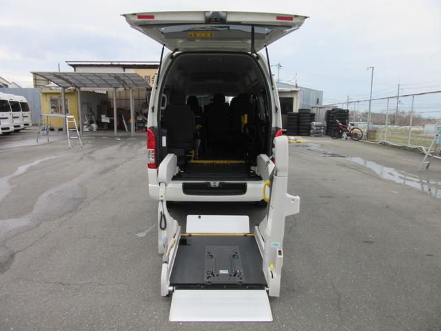 6AT 福祉車両ウェルキャブBタイプ 車イス2台固定 10人乗 サンルーフ 電動Sステップ 電動リフト バックカメラ キーレス 事業用登録可(37枚目)
