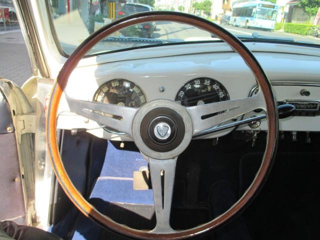 「ランチア」「ランチア」「コンパクトカー」「大阪府」の中古車16