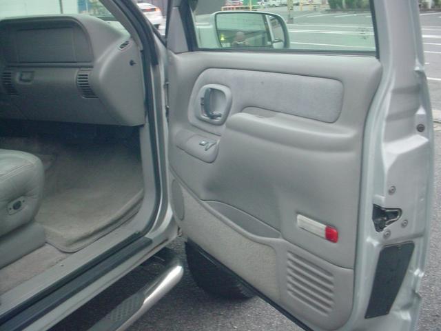 「シボレー」「シボレーサバーバン」「SUV・クロカン」「滋賀県」の中古車13